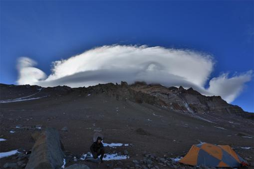 C1营地的蘑菇云-1