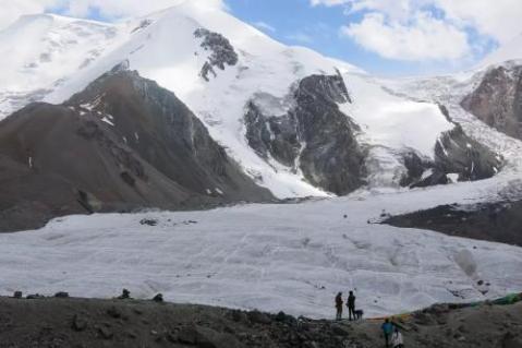 Mount Amne Machin3